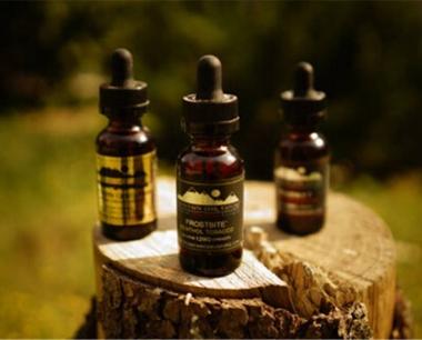 橡树山-香格里拉电子烟烟油评测介绍:需要静下心来细细品味的好油